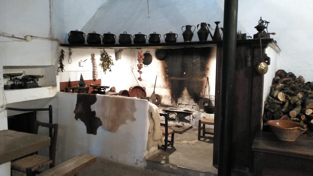 Antigua chimenea mallorquina